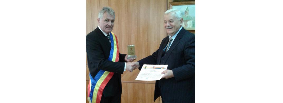 Profesorul Dan Alexandru Grigorescu a primit titlul de Cetăţean de onoare al oraşului Haţeg