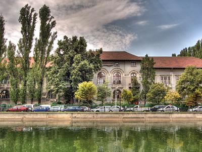 Caravana Editurii Universității din București la Facultatea de Biologie