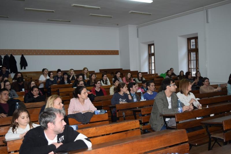 """Cea de a 6-a întâlnire ,,Alumni-Studenți"""", desfășurată în cadrul proiectului """"Chimiști și Cariere"""", la Facultatea de Chimie"""