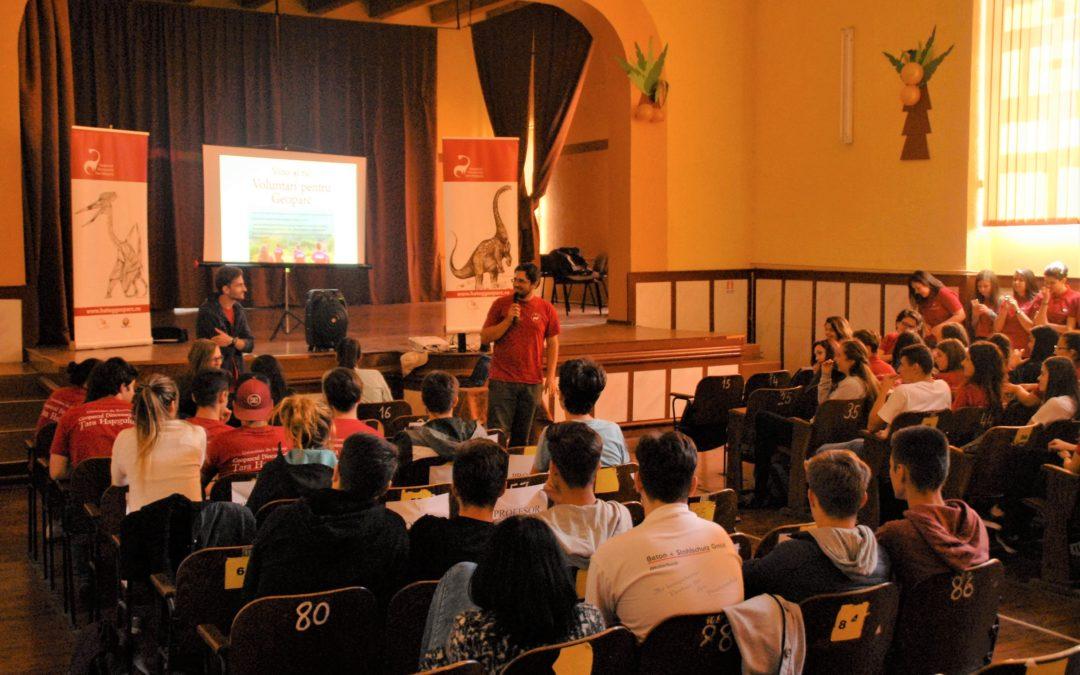 Proiecte, evenimente și activități educaționale derulate de voluntarii Geoparcului Dinozaurilor Țara Hațegului în 2017