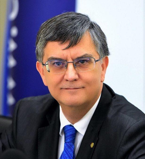 """Rectorul Universității din București, prof. univ. dr. Mircea Dumitru, este noul președinte al """"International Institute of Philosophy"""""""