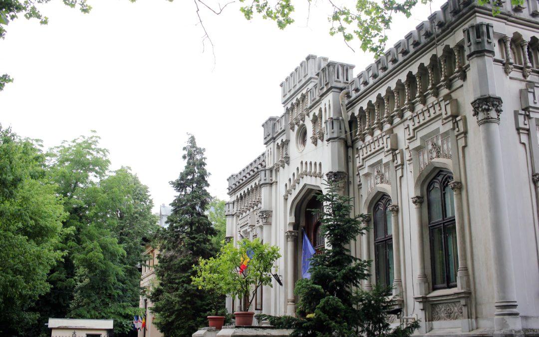 Caravana Editurii Universității din București la conferința aniversară a secției de arabă