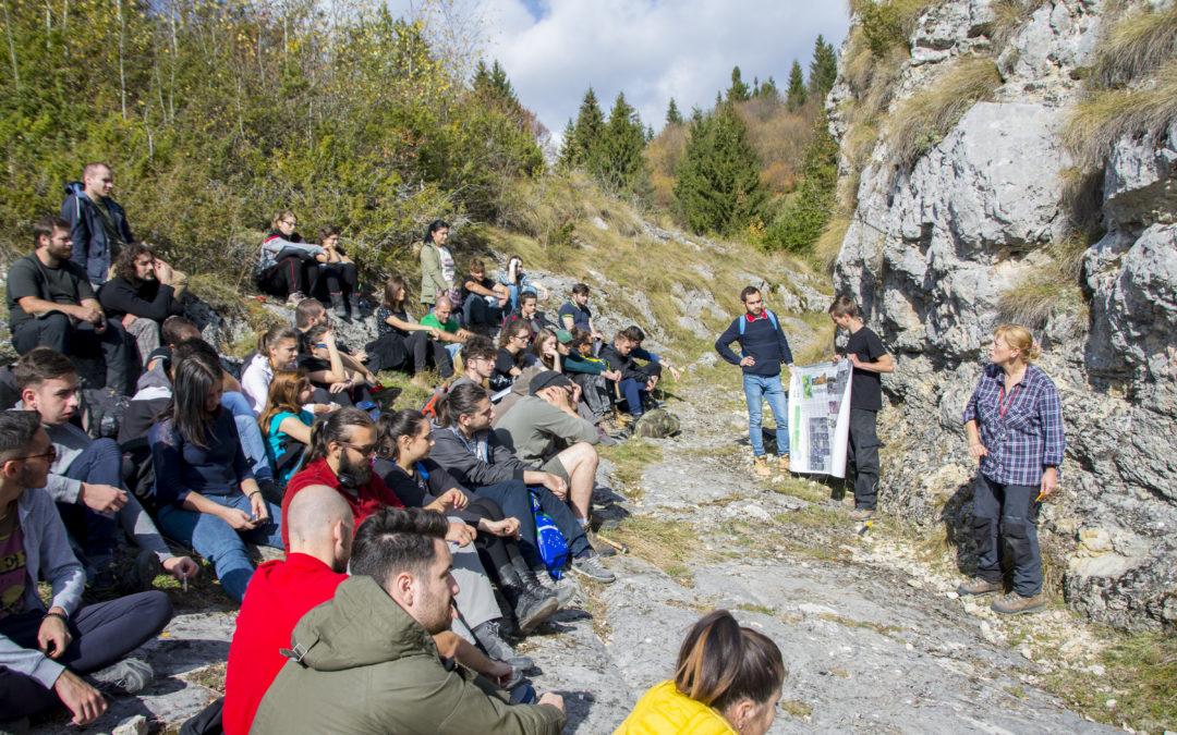 Prima aplicaţie practică de teren dedicată bobocilor Facultății de Geologie și Geofizică a Universității din București