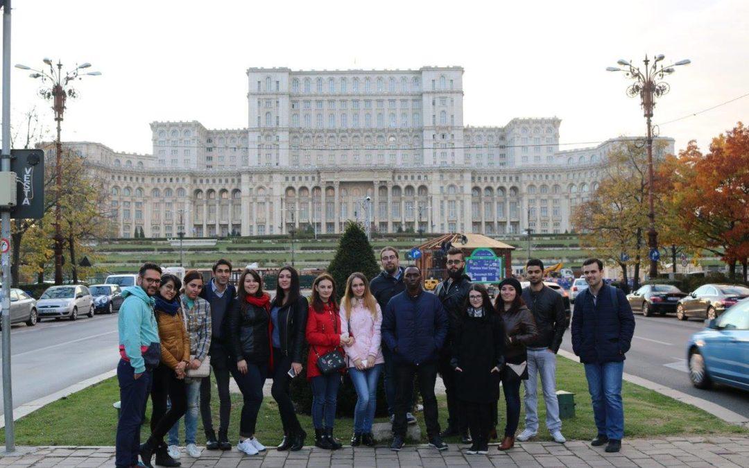 """Studenții străini vizitează Bucureștiul în cadrul proiectului """"Ziua internațională a orașelor"""""""