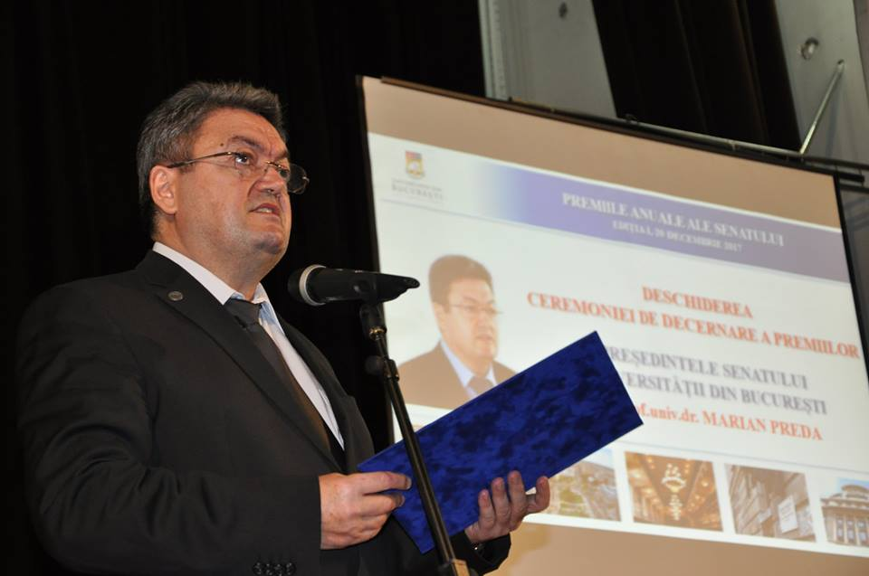 Cei mai buni membri ai comunității academice, premiați de Senatul Universității din București